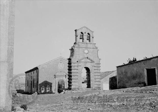 Κάστρο Αγίου Γεωργίου. Ο ναός της Ευαγγελίστριας και το καμπαναριό του. (Έτος 1928) Φωτογράφος Βαφιαδάκης Γ.
