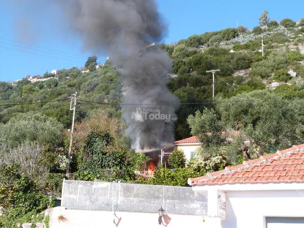 Πυρκαγιά σε οικία στα Περατάτα