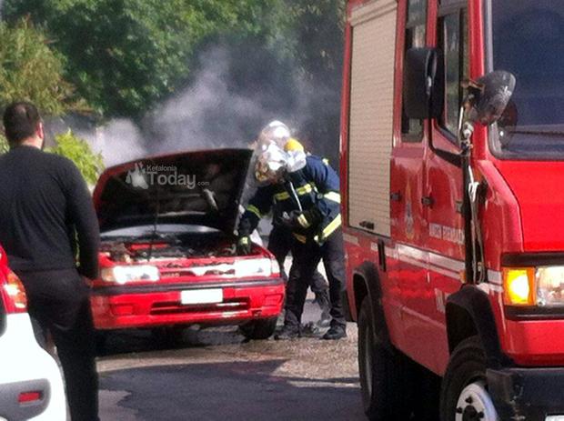 Φωτιά σε αυτοκίνητο στο Αργοστόλι